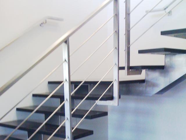 escalier-limon-inox-marches-bois